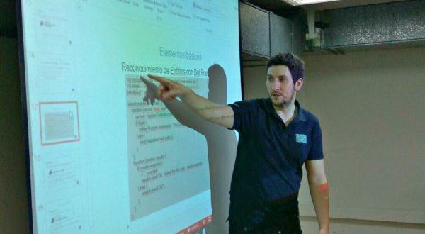 Chatbots taller de datahack en Try IT! 2017 de UPM