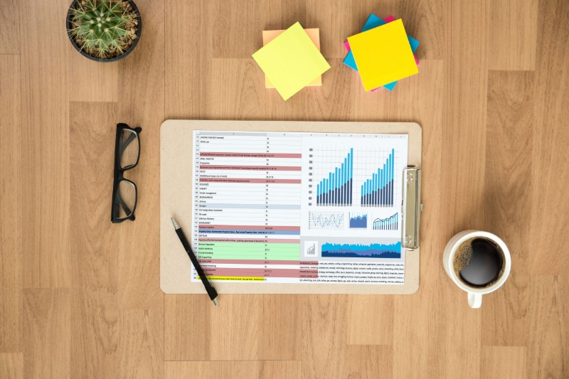 La creación de informes es una de las funciones de un analista de Big Data
